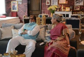 Amitabh-Bachchan-with-wife-Jaya-on-the-sets-of-Ki-and-Ka
